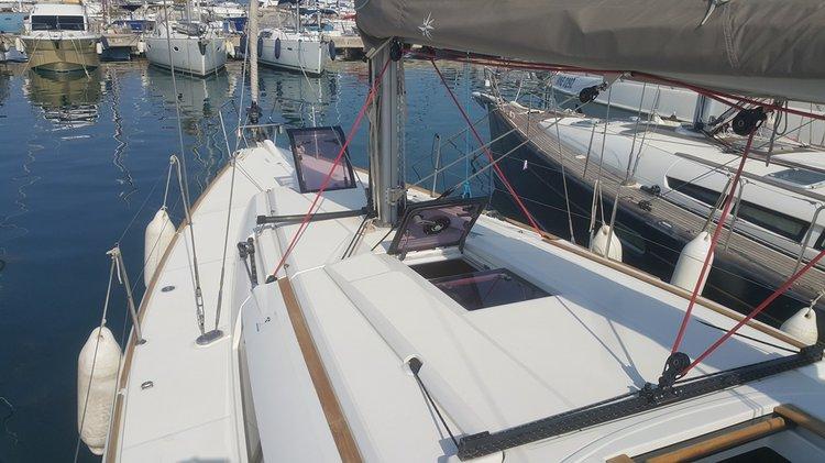 Motorsailer boat for rent in Tivat