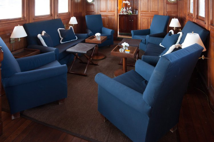 Discover Sag Harbor surroundings on this 122 Winslow boat