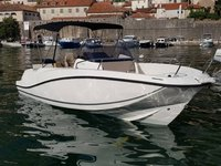 This motor boat rental is perfect to enjoy Kotor