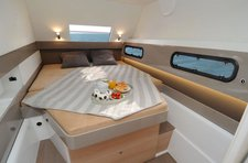Enjoy sailing in Newport aboard this amazing Bali 4.1