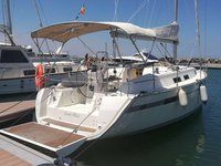 This sailboat charter is perfect to enjoy Murcia