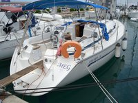 All you need to do is relax and have fun aboard the Bavaria Yachtbau Bavaria 36