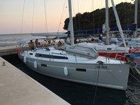 Charter this amazing Bavaria Yachtbau Bavaria 37 Cruiser in Sukošan, HR