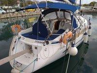 Jump aboard this beautiful Bavaria Yachtbau Bavaria 41