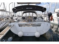 Beautiful Beneteau Oceanis 45 ideal for sailing and fun in the sun!