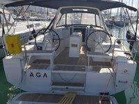 Charter this amazing Beneteau Oceanis 38.1 in Kaštel Gomilica, HR