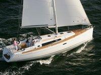 Sail Rome, IT waters on a beautiful Beneteau Oceanis 37