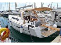 Charter this amazing Dufour Yachts Dufour 412 in Sukošan, HR