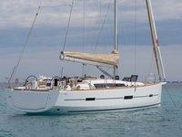 Hop aboard this amazing sailboat rental in Port de Pollença!