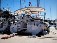 Beautiful Elan Elan 384 Impression ideal for sailing and fun in the sun!