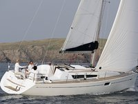 Sail the beautiful waters of Punta Ala on this cozy Jeanneau Sun Odyssey 36i