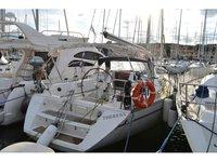 Rent this Jeanneau Sun Odyssey 42 for a true nautical adventure