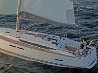 Enjoy luxury and comfort on this Jeanneau Sun Odyssey 439 in Nieuwpoort