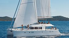 Charter this amazing sail boat in Mumbai