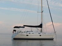 Enjoy sun in Lake Champlain on this 38 ft sail boat