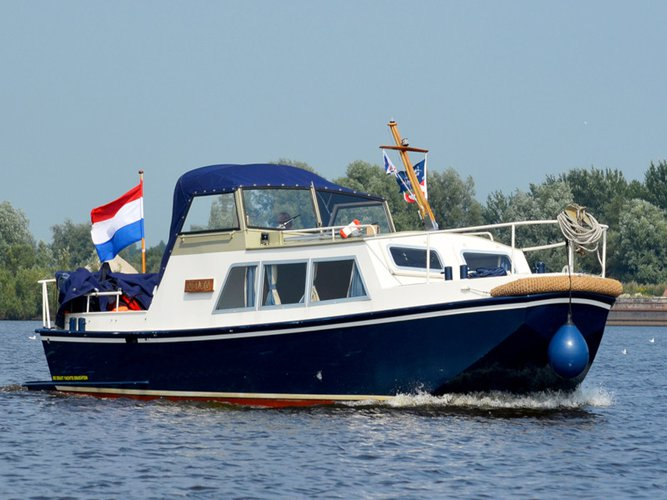 Hop aboard this amazing motor boat rental in Drachten!