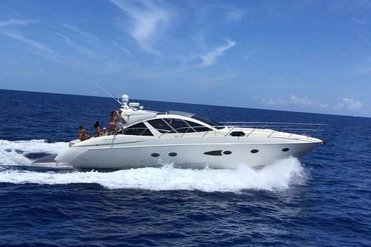 54' Azimut Atlantis YCM. Great for fun day on the water in Miami or Bahamas