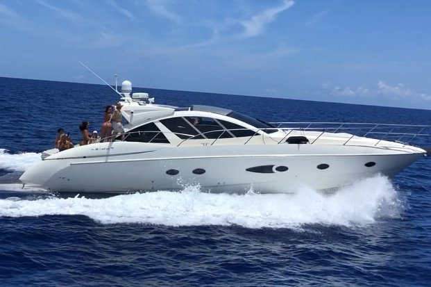 54' Azimut. Entertainment Yacht Charter in Miami, Bahamas