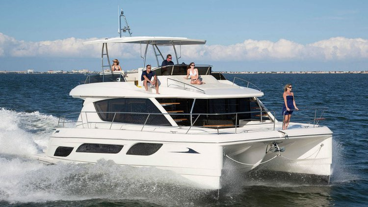 Enjoy luxury and comfort on this Singapore catamaran rental