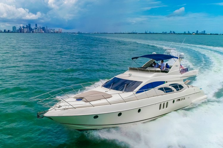 62' Azimut Flybridge Luxury in Miami