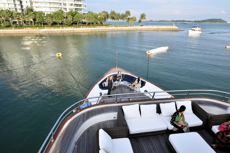 Discover Sentosa surroundings on this Custom Custom boat