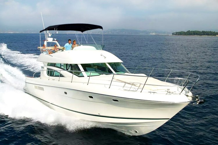 Motor yacht boat rental in Sentosa, Singapore