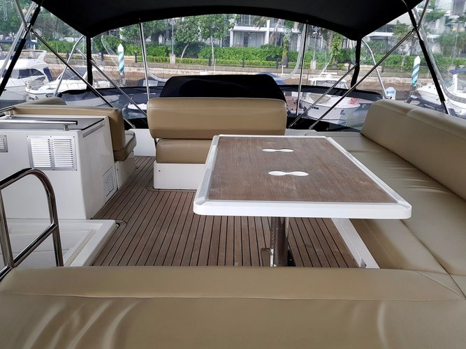 Custom's 45.0 feet in Marina Sentosa Cove