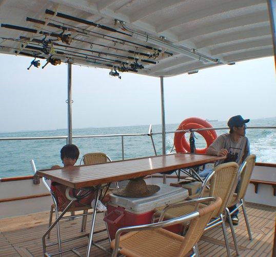 Boat rental in Sentosa,