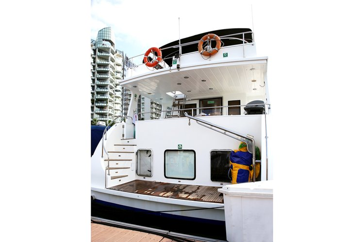 Mega yacht boat rental in Marina Sentosa Cove, Singapore