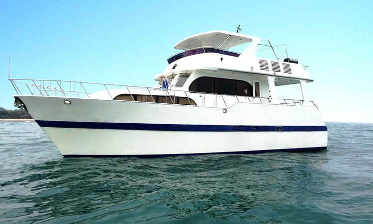 Sail the wonderful Singapore on a excellent motor boat for rent