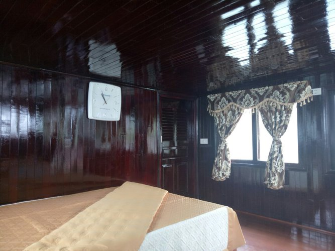 Mega yacht boat for rent in Hai Phong
