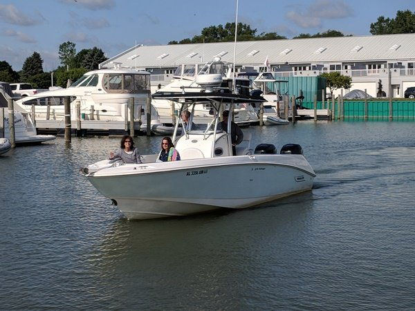 Rent this 270 Outrage and enjoy the waters