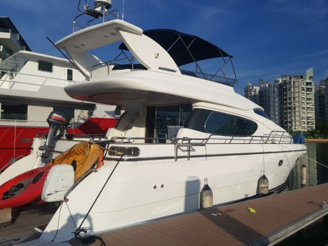 Boat for rent Horizon 111.0 feet in Marina Sentosa Cove, Singapore