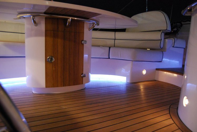 Discover Phuket surroundings on this 55 Integrity boat