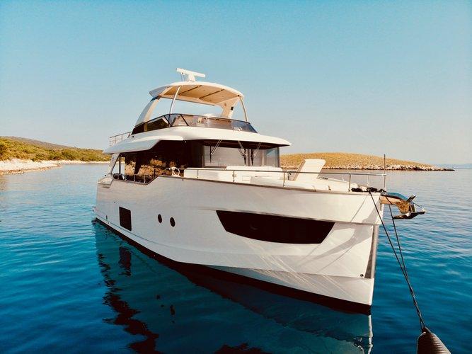 Lavishing holidays aboard Navetta 58