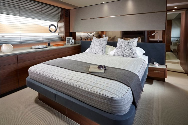 Up to 18 persons can enjoy a ride on this Mega yacht boat