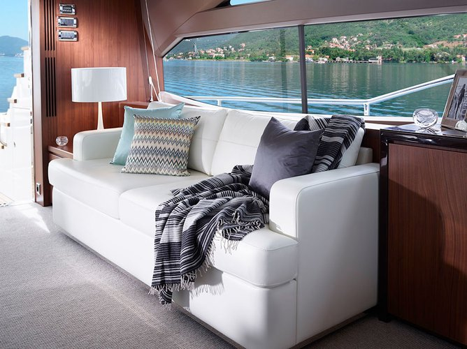 Discover Pattaya surroundings on this 72 Princess boat
