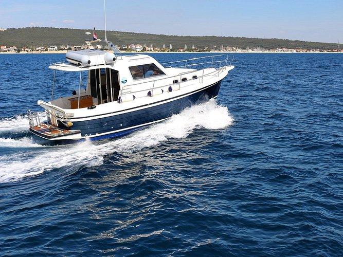 Relax on board our motor boat charter in Sukošan