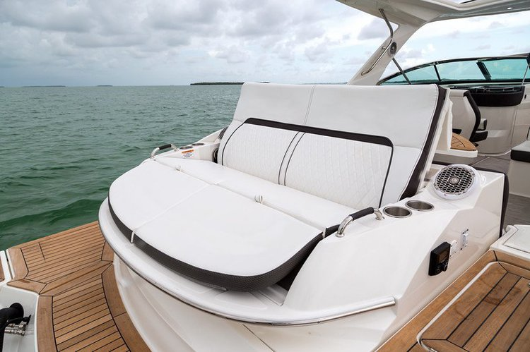 Up to 14 persons can enjoy a ride on this Motor boat boat