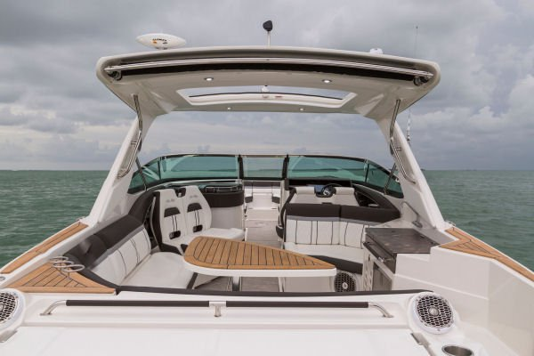NEW SEARAY 350,  W CAPTN Perfect for cruising the the bay.  14 people capacity