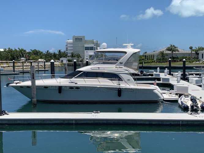 Sea Ray's 52.3 feet in Miami