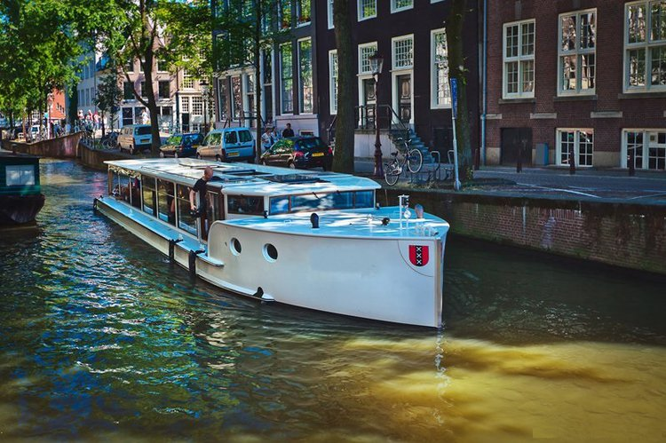 Hop aboard this amazing electric boat rental in Netherlands!