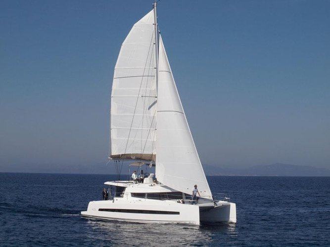 Eat, drink and enjoy your vacation onboard Bali 4.3 in the Martinique