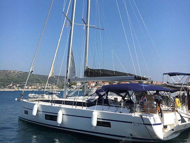 Enjoy luxury and comfort on this Bavaria Yachtbau Bavaria C45 in Rogoznica