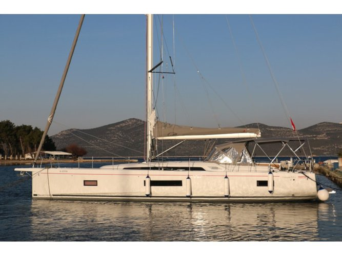 Climb aboard this Beneteau Oceanis 51.1 First Line for an unforgettable experience