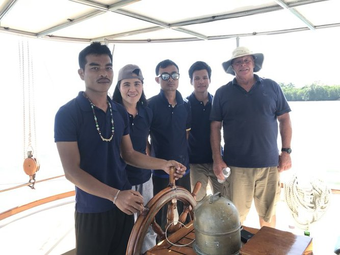 Up to 35 persons can enjoy a ride on this Schooner boat