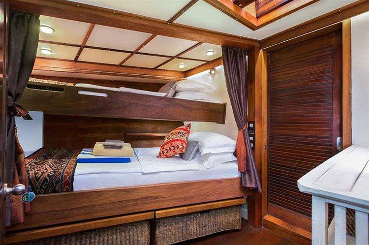 Schooner boat rental in Bali,
