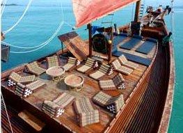 Discover Koh Samui surroundings on this Custom Custom boat