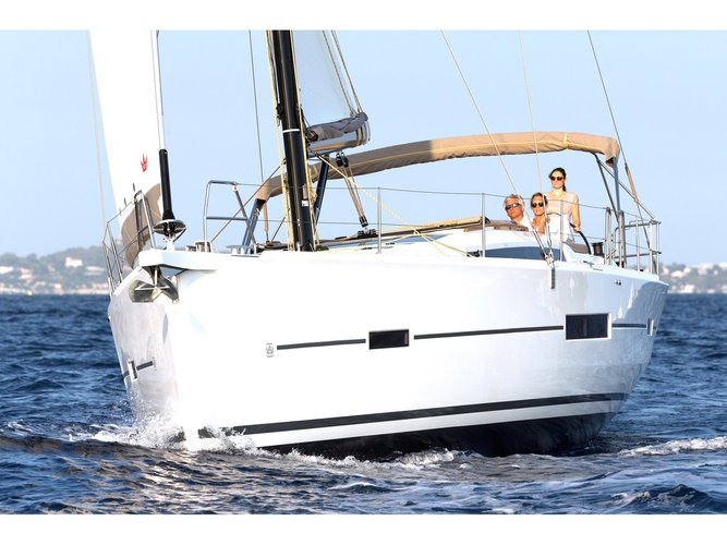 Get on the water and enjoy Lefkada in style on our Dufour Yachts Dufour 520 GL
