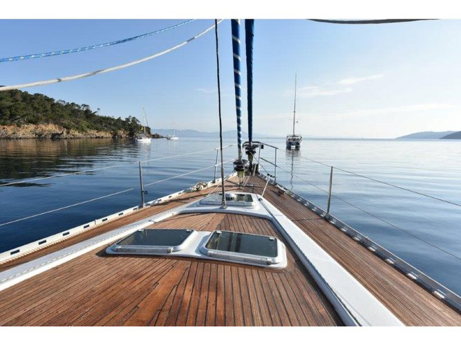 Relax on board our sailboat charter in Olbia